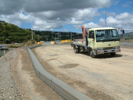 <p>Kerbing on the Paremata Bridge, Mana Esplanade. 08/12/2004.  Powell Kerbing</p>